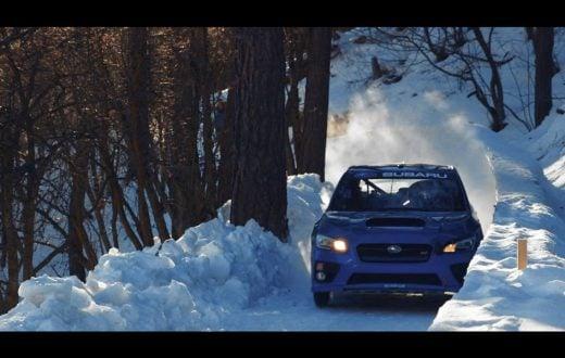 Subaru WRX STI en una pista de bobsled