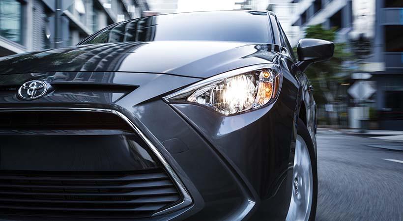 Test Drive Toyota iM 2017