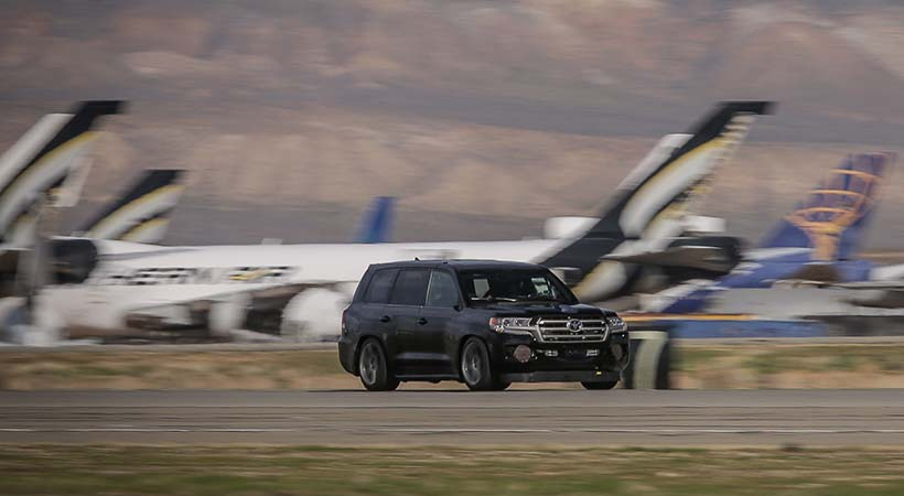 Toyota Land Cruiser a 230 MPH