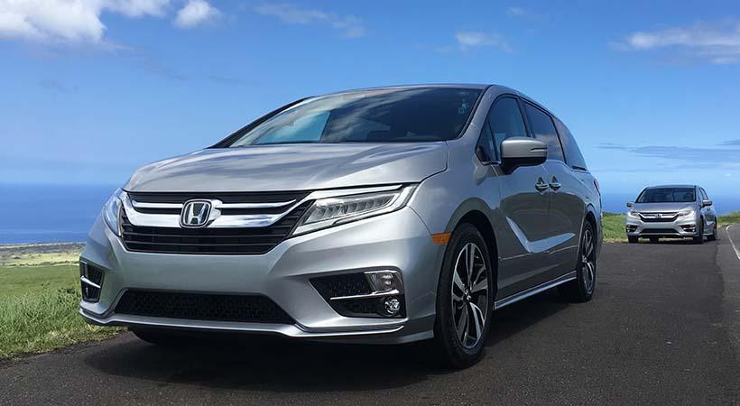 Honda Odyssey 2018 en la carretera en Hawai