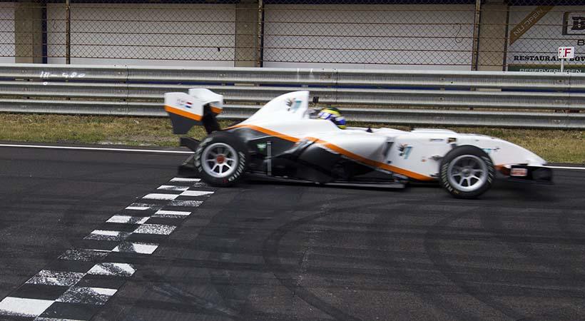 Récord de velocidad en un auto eléctrico en el circuito de Zandvoort
