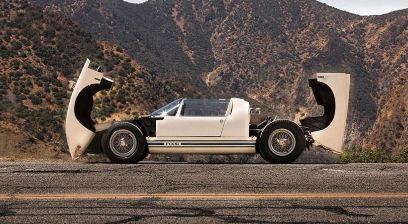 El primer y último Ford GT40 Roadster a la venta