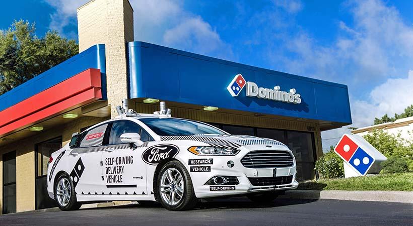 Pizza a domicilio en auto autónomo Ford