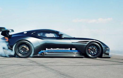 Aston Martin Vulcan en Anglesey, 4 minutos de furia