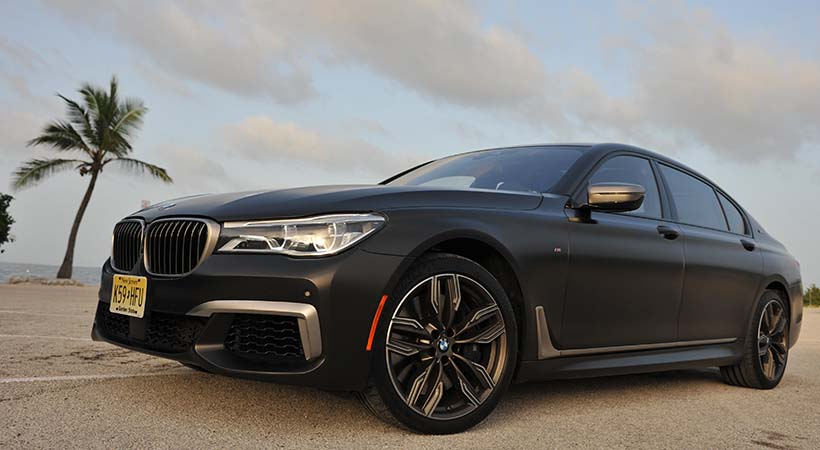 Test Drive BMW M760i 2017