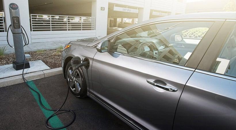 Autos que gastan menos combustible: Hyundai Sonata Hybrid