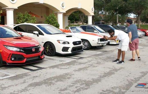 Honda Civic Type R R00932 en Cars and Coffee Miami