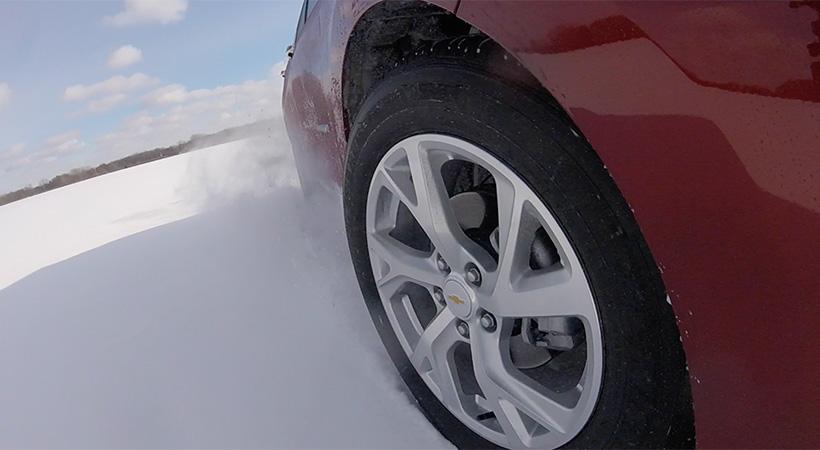 Top 10 consejos para manejar seguro en el invierno