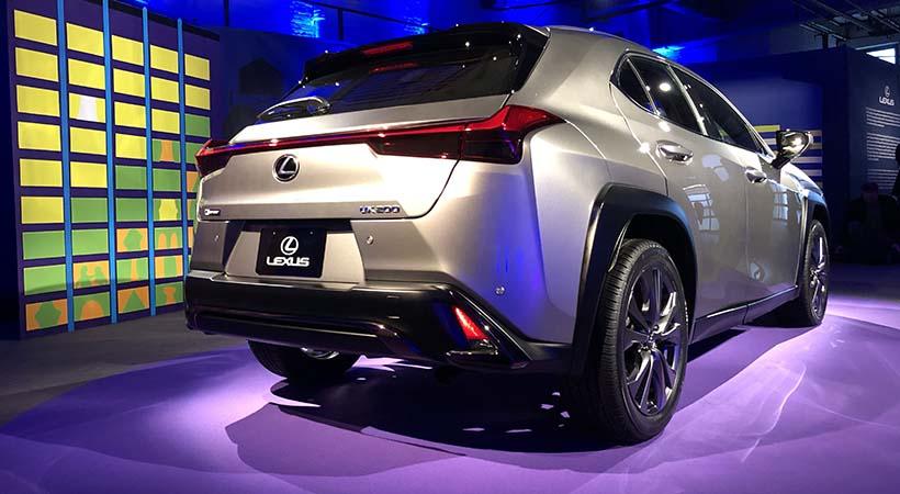 Debut Lexus UX 2019