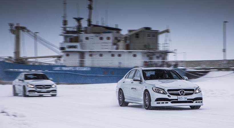 Video mercedes benz winter academy seguridad en invierno for Mercedes benz academy