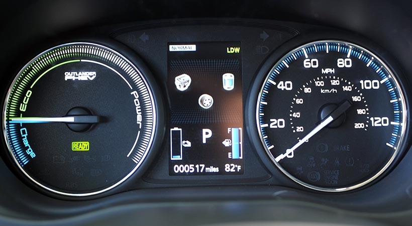 Test Drive Mitsubishi Outlander PHEV 2018