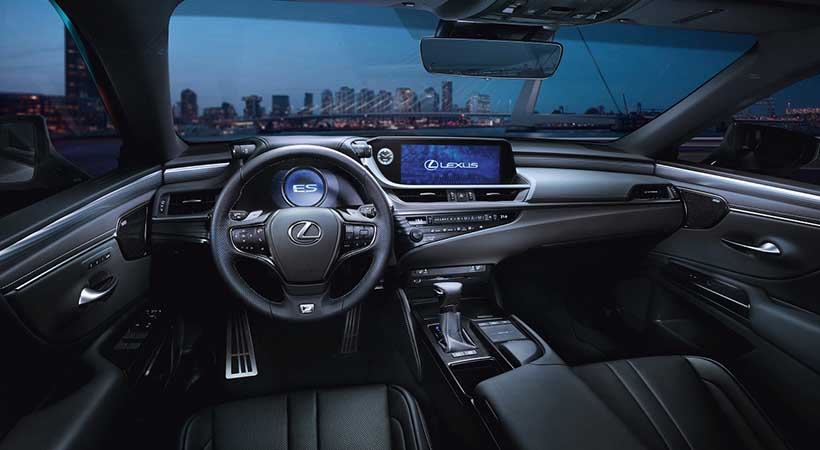 Video Lexus ES 350 2019