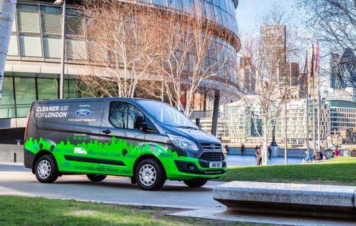 Test Drive verde Ford Transit Custom PHEV