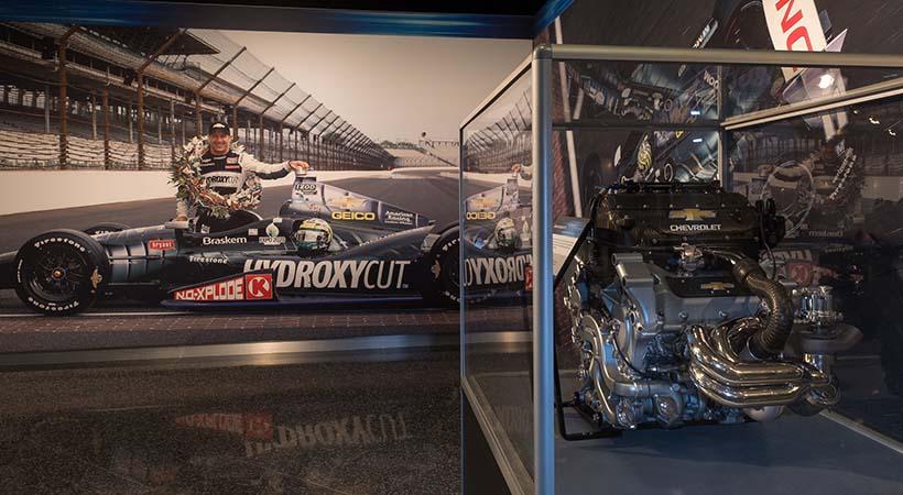 Homenaje General Motors al automovilismo
