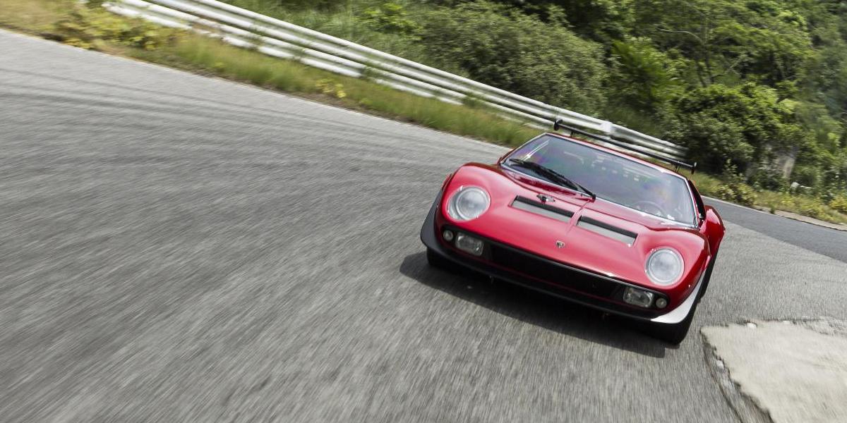 Lamborghini Polo Storico restaura el Miura SVR