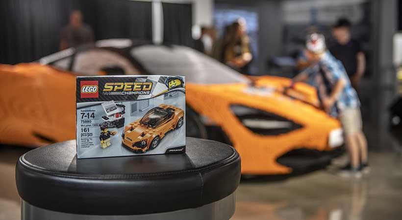 McLaren 720S hecho con LEGO