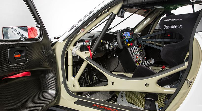 Porsche 911 a Porsche 911 RSR