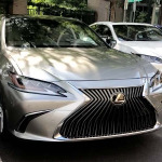 Video Test Drive Lexus ES 2019