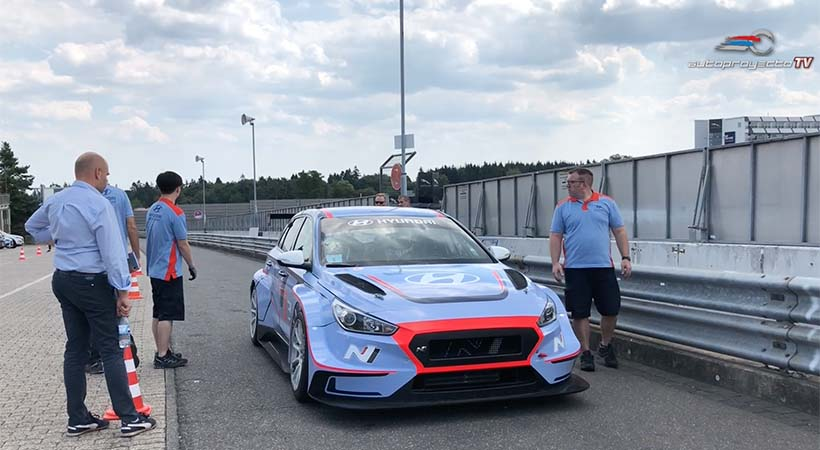 Hyundai i30 N TCR con Gabriele Tarquini en el Nürburgring-Nordschleife