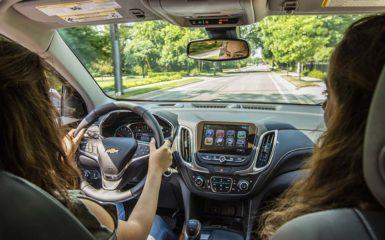 Conductores adolescentes y seguro de auto
