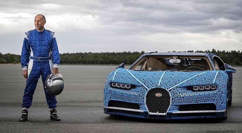 Bugatti Chiron creado con bloques Lego