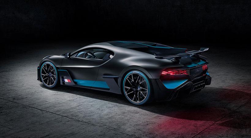 Clientes de Bugatti tienen 42 autos en promedio