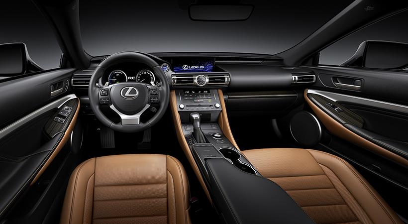 Debut Lexus RC300h