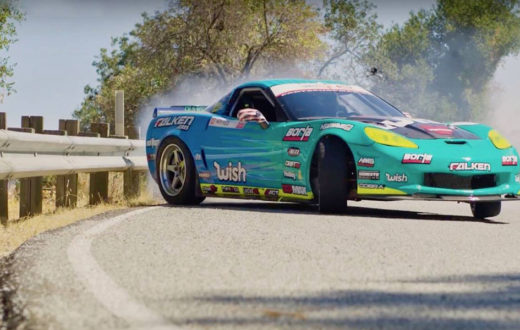 Dron sigue un Corvette de 1,060 hp haciendo drifting