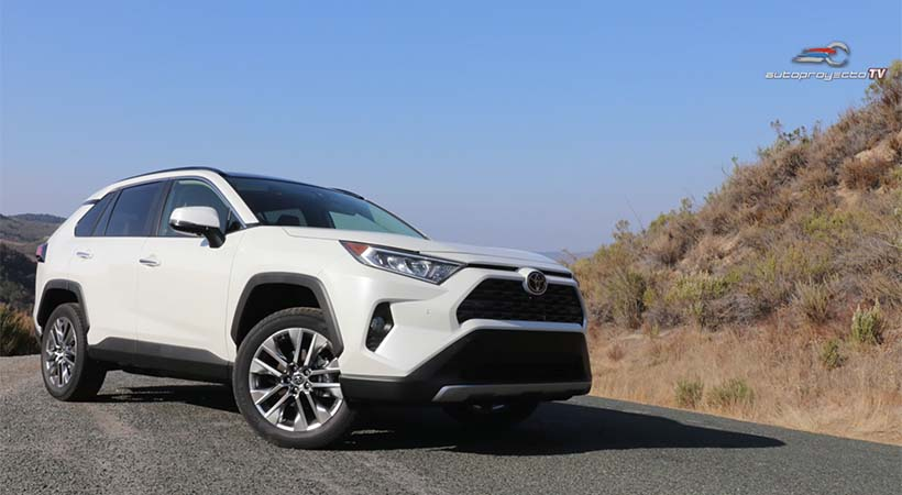 Video Toyota RAV4 2019, 1er. vistazo en la carretera en California