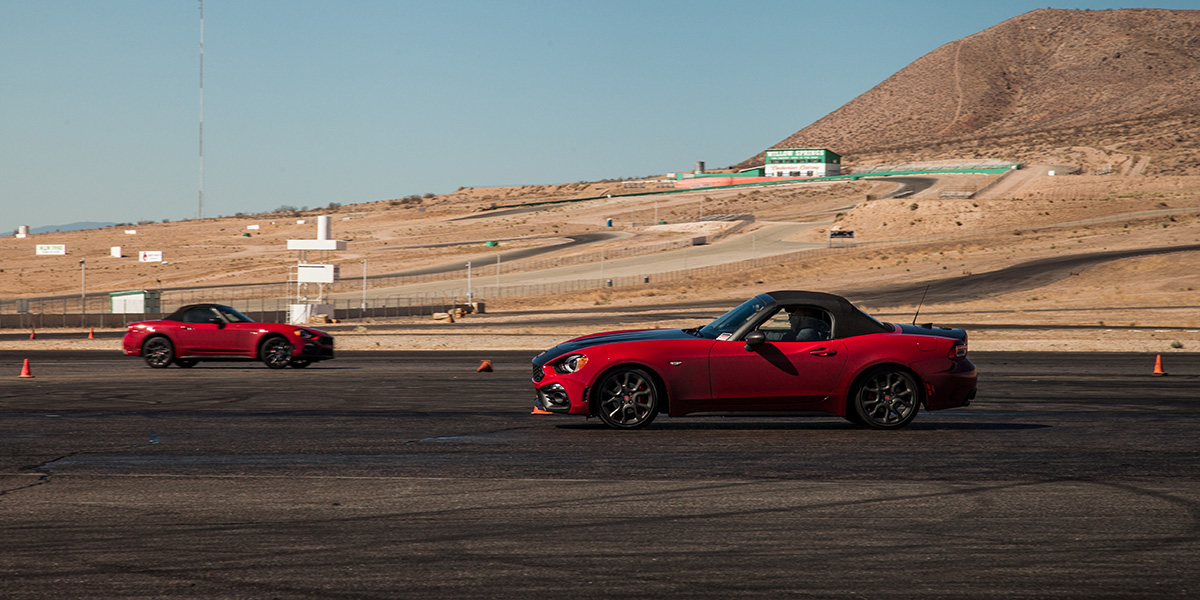 Fiat 124 Spider Abarth y Fiat 500 Abarth 2019 test drive en Willow Springs