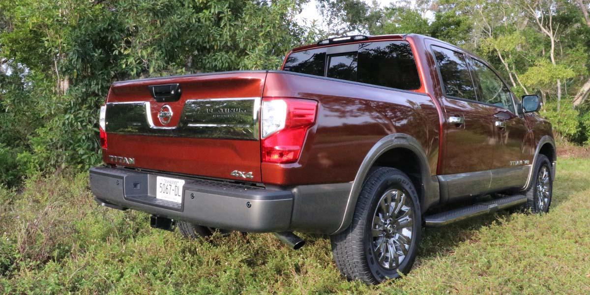 Test Drive Nissan Titan Platinum Reserve 2019, pickup a todo lujo
