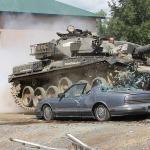 Haz algo diferente, maneja tu propio tanque de guerra