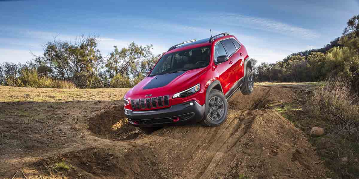 video Jeep Cherokee Trailhawk Elite 4x4 2019