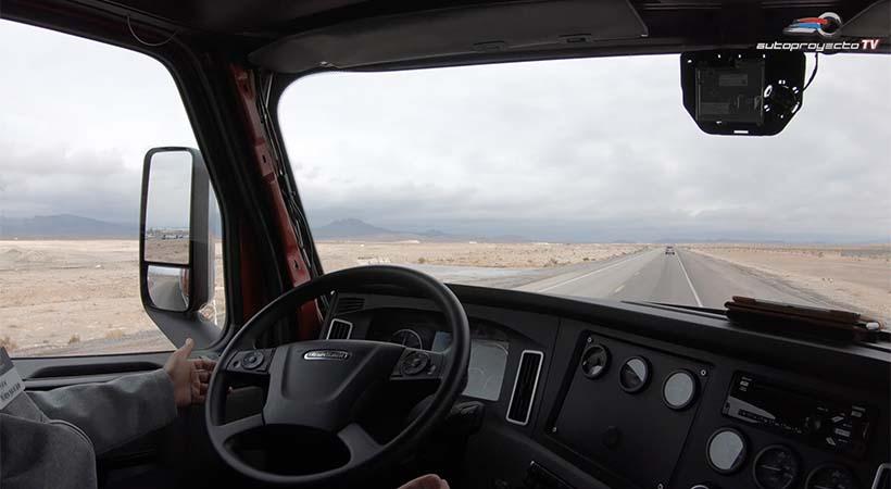 Freightliner Cascadia 2019, el camión de carga más seguro del mundo