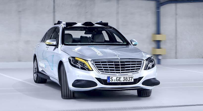 Mercedes-Benz S Class auto cooperativo
