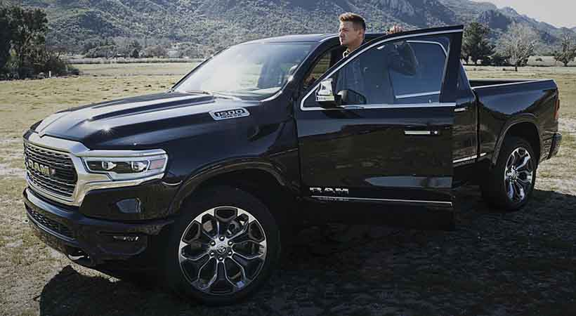 Jeremy Renner hace equipo con Ram Truck