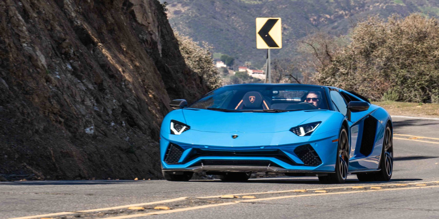 Video Lamborghini Aventador S Roadster 2018