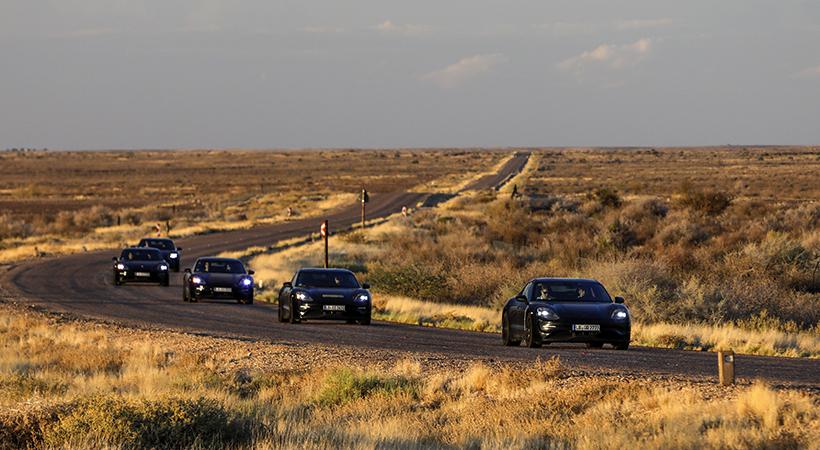 Test Drive final Porsche Tycan 2020 en el desierto y la nieve