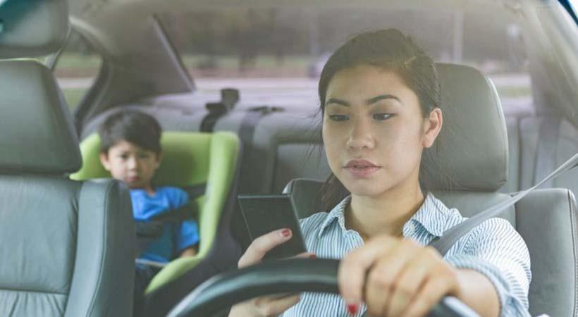 55% de los conductores de EU son adictos a Social Media
