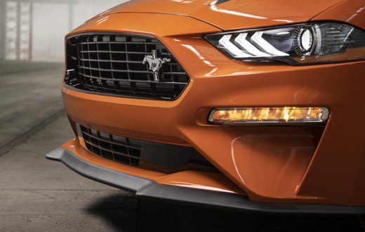 Ford Mustang 2020 con Performance Package y 330 HP