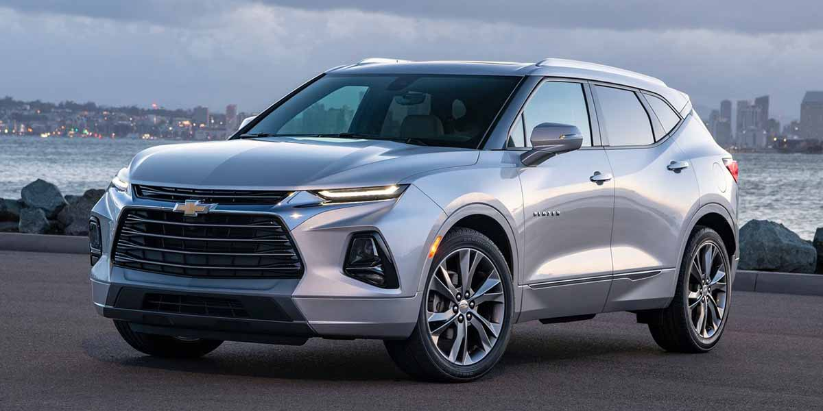 GM criticado duramente por exhibir un auto fabricado en México en Detroit
