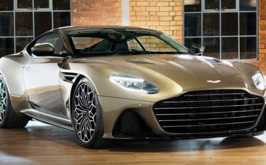 Aston Martin DBS Superleggera celebra 50 años de James Bond