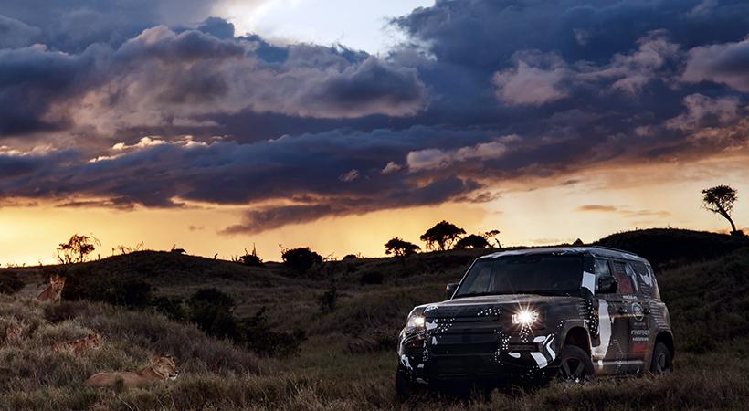 Land Rover Defender 2020 al rescate de los leones en Kenia