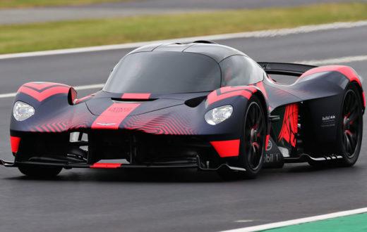 Debut dinámico del Aston Martin Valkyrie en Silverstone