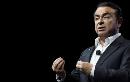 Carlos Ghosn demanda a Nissan