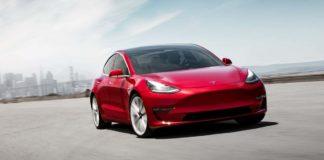 Autos de Tesla podrían incorporar Netflix y YouTube