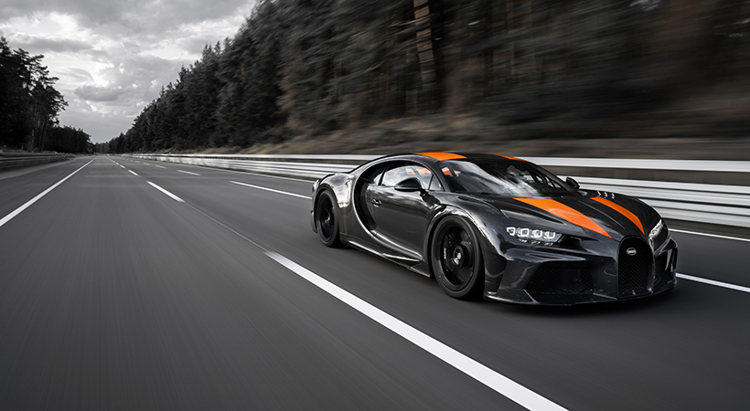 Bugatti Chiron a 304.773 mph