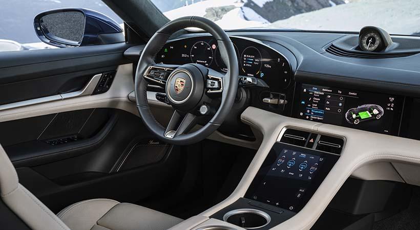 Debut global Porsche Tycan 2020
