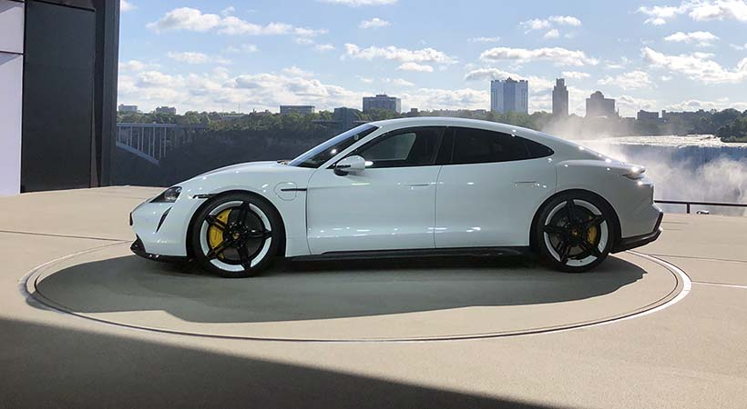 Triple debut global Porsche Tycan 2020
