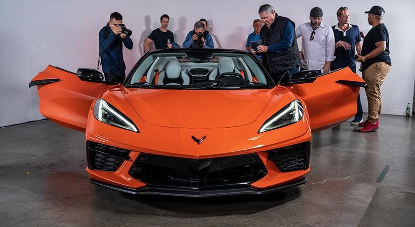 video Chevrolet Corvette Stingray Convertible 2020